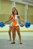 Acción Cheerleading del campeonato Imagen de archivo