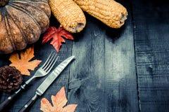 Acción de gracias en la estación del otoño en el fondo de madera Fotos de archivo libres de regalías
