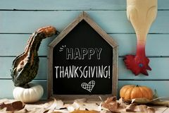 Acción de gracias feliz desplumada del pavo y del texto Foto de archivo libre de regalías