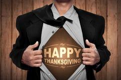 Acción de gracias feliz en pecho del hombre Imagen de archivo libre de regalías