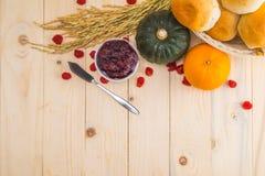 Acción de gracias feliz - fruta del otoño para la acción de gracias Foto de archivo