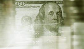 Acción de la exposición doble financiera con la moneda y el billete de banco de la pila Imagenes de archivo