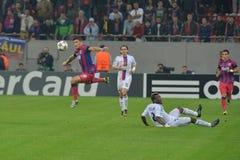 Acción de la liga de campeones de UEFA Imagen de archivo