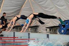 Acción de la natación de aleta Fotos de archivo