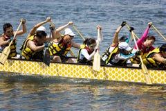 Acción de la raza de barco de dragón Imagenes de archivo