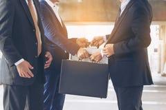 Acción de los hombres de negocios que hacen frente al acuerdo Fotografía de archivo