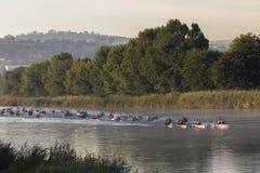Acción de los rápidos de la raza de la canoa Fotografía de archivo libre de regalías