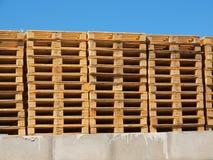 Acción de nuevas plataformas euro de madera Fotografía de archivo libre de regalías