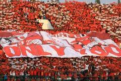 Acción de Pasoepati de los partidarios del fútbol mientras que apoya a su equipo preferido Persis Solo Imagen de archivo