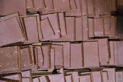 Acción de pedazos de chocolate con leche delicioso Fotografía de archivo libre de regalías