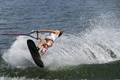 Acción de Shortboard de las mujeres - Natalia Berdnikova Fotos de archivo