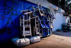 Acción de sillas de madera Imagen de archivo libre de regalías