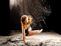 Acción del bailarín del polvo Imagen de archivo libre de regalías