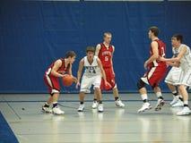 Acción del baloncesto foto de archivo