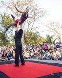 Acción del ejecutante en la demostración 2014 de la calle de Bangkok Imagenes de archivo