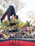 Acción del ejecutante en la demostración 2014 de la calle de Bangkok Fotografía de archivo