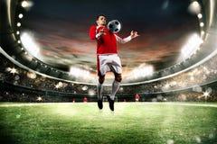 Acción del fútbol en el estadio Fotografía de archivo