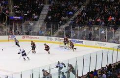 Acción del hockey sobre hielo Imagen de archivo