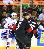 Acción del hockey sobre hielo Imágenes de archivo libres de regalías