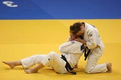 Acción del judo - técnica de la presentación Imagenes de archivo