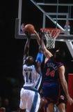 Acción del juego de baloncesto Foto de archivo libre de regalías