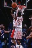 Acción del juego de baloncesto Imagenes de archivo