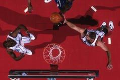 Acción del juego de baloncesto Fotos de archivo libres de regalías