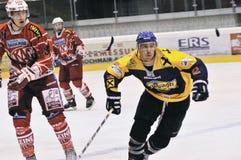Acción del juego de hockey Imagenes de archivo
