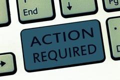 Acción del texto de la escritura de la palabra requerida Concepto del negocio para el respeto una acción alguien en virtud de su  fotografía de archivo libre de regalías