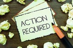 Acción del texto de la escritura de la palabra requerida Concepto del negocio para el respeto una acción alguien en virtud de su  imagenes de archivo