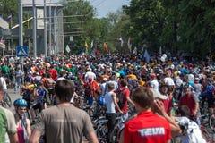 Acción dentro del día ucraniano de la bicicleta en Járkov Imagen de archivo
