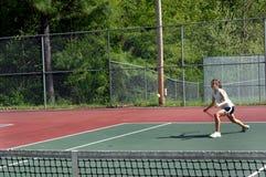 Acción en campo de tenis Fotografía de archivo