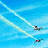 Acción en el cielo durante un airshow Foto de archivo libre de regalías