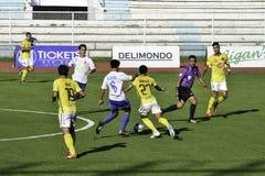 Acción - Kaya contra sementales - liga unida fútbol Filipinas de Manila Fotos de archivo