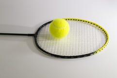 Acción para el juego en tenis Fotos de archivo libres de regalías
