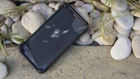 Accident de chute de dommages cassé par téléphone heurté fendu Photographie stock libre de droits