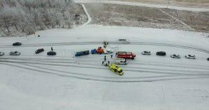 Accident de circulation routière en hiver banque de vidéos