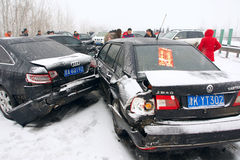 Accident de voiture dans la neige Photographie stock libre de droits