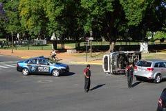 Accident de voiture dans la route avec la police, Buenos Aires, le 30 décembre 2017, l'Argentine Image libre de droits