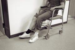 Accidente de la pierna del sillón de ruedas Fotografía de archivo libre de regalías