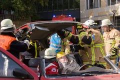 Accidente de tráfico fatal - persona atrapada Imágenes de archivo libres de regalías