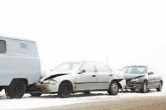 Accidente del choque de coche del invierno Fotos de archivo