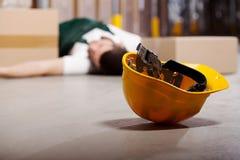 Accidente peligroso durante trabajo foto de archivo libre de regalías