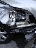 Accidentellement écrasé phare avant d'un véhicule Image libre de droits