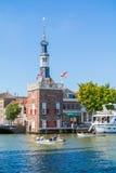 Accijnstoren, Verbrauchsteuerturm, in Alkmaar, die Niederlande Stockbild