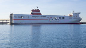 Acciona巡航轮渡运输船向阿尔及利亚 库存图片