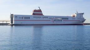 Acciona-Kreuzfahrt-Fähren-Transport-Schiff nach Algerien stockbild