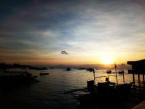 Accoglimento dell'alba al porto Fotografia Stock Libera da Diritti