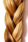 Acconciatura della treccia Fine lunga bionda dei capelli su fotografia stock libera da diritti