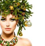Acconciatura di festa di Natale Fotografia Stock Libera da Diritti